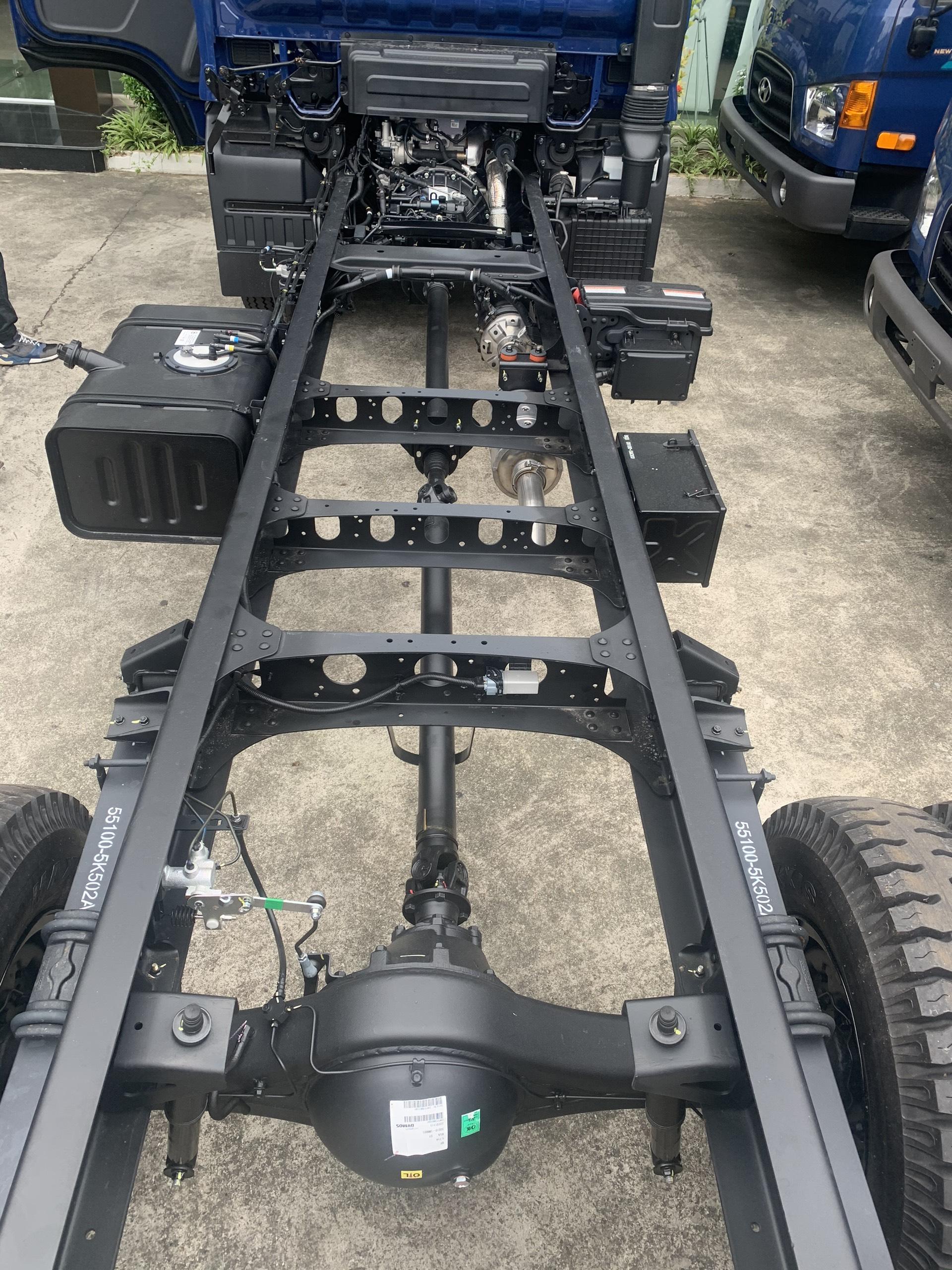 chassis xe tải hyundai ex8l nhập khẩu