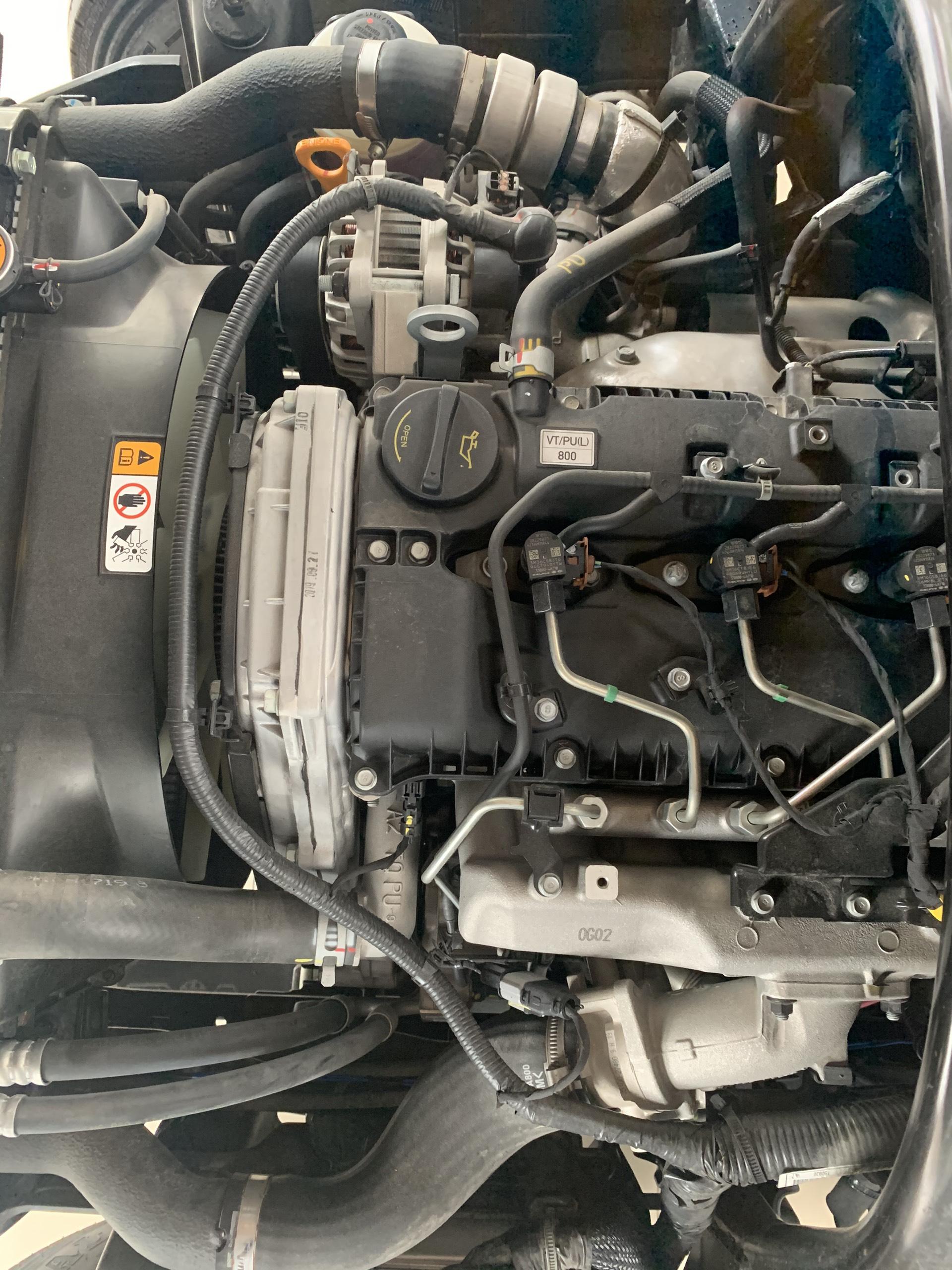 động cơ xe tải porter 150 thùng kín bửng nâng