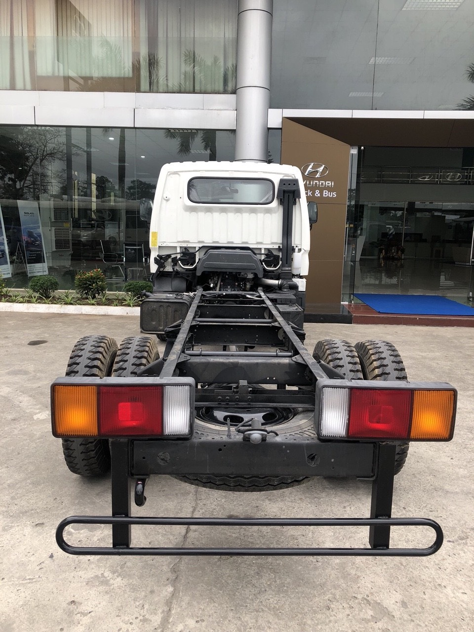 cabin chassis xe mighty 110sq 7 tấn