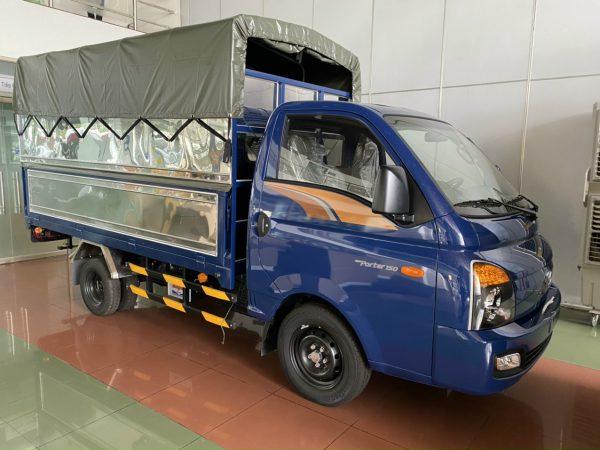 xe tải 1.5 tấn hyundai thùng bạt bửng nâng hạ