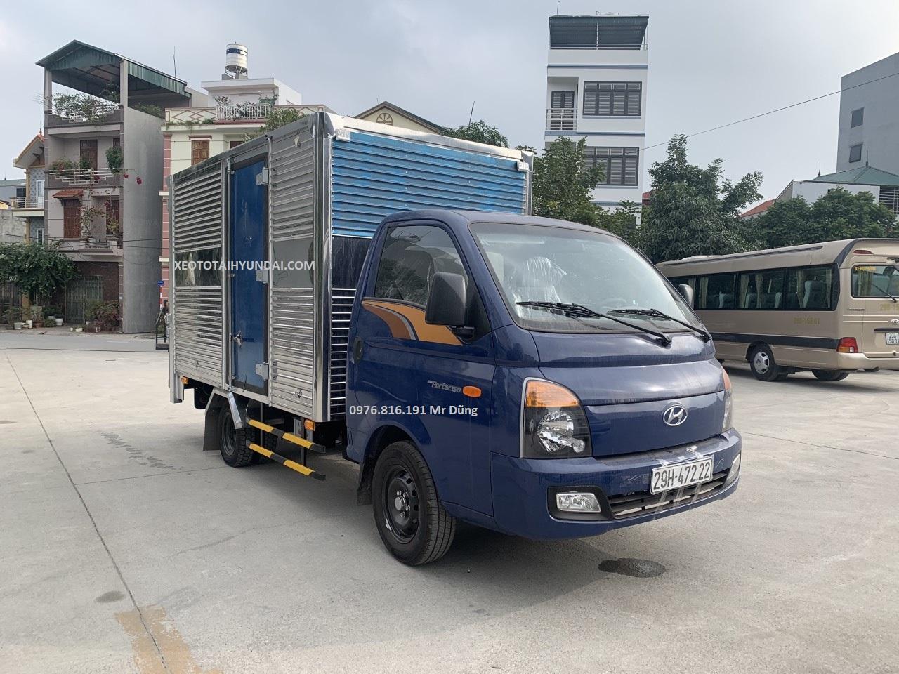 xe tải Porter 150 thùng kín gắn bửng nâng